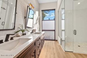 Cabana #2 Bathroom