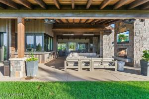 Great Entertaining Outdoor Space