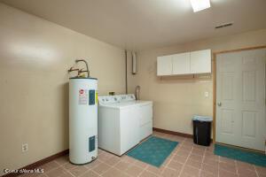 37_LL Utility Room