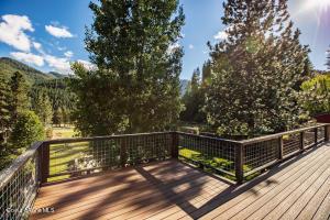 41_Backyard Deck