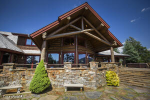 151 Greatwater Ct, Sandpoint, ID 83864