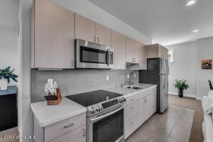 Guest Quarters - Kitchen