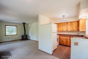 11_Living Room_Kitchen