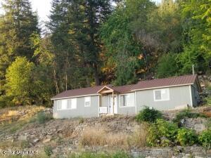 43853 Highway 200, Hope, ID 83836