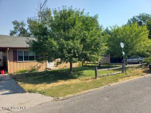 1326 Pine St, Sandpoint, ID 83864