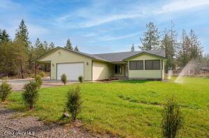 30492 N RIFFLE RD, Spirit Lake, ID 83869