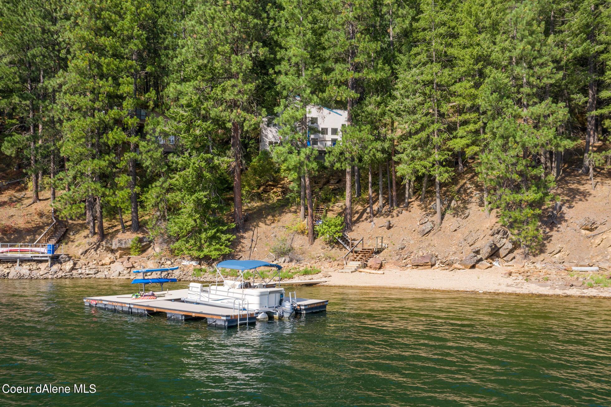 9114 W CLIFFWOOD LN, Spirit Lake, ID 83869