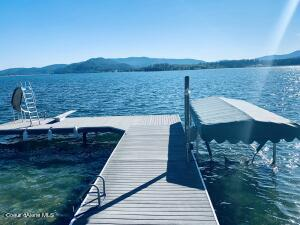 475 Campbell Point Rd, Laclede, ID 83841