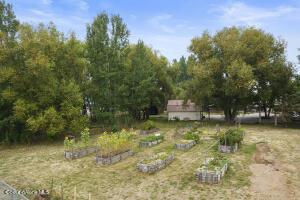 035_Garden Beds