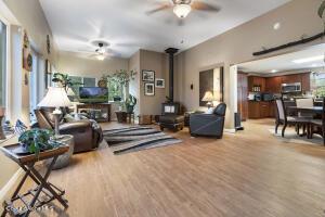 043_Living Room