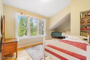 020_Top Floor Bedroom