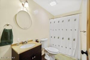 027_Basement Bathroom
