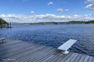 Stunning & Pristing Hayden Lake