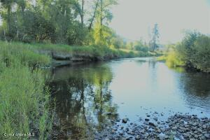 28.20 acres on 1/4 Mile river frontage of pure beauty on the St. Maries River