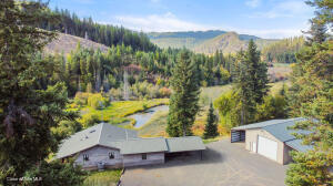 738 Meadow View Rd, St. Maries, ID 83861