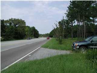 10141 Highway 17 Mcclellanville, SC 29458