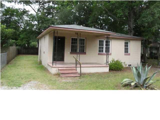 5631 Leiderman Street North Charleston, SC 29406