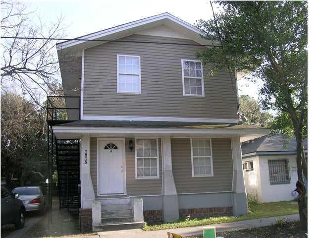 1915 Carlton Street North Charleston, SC 29405