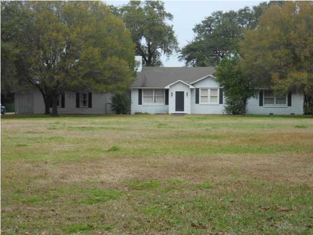 1364 Edgewater Drive Charleston, SC 29407
