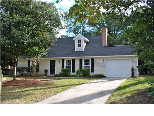 1610 Pinebrook Court Mount Pleasant, SC 29464