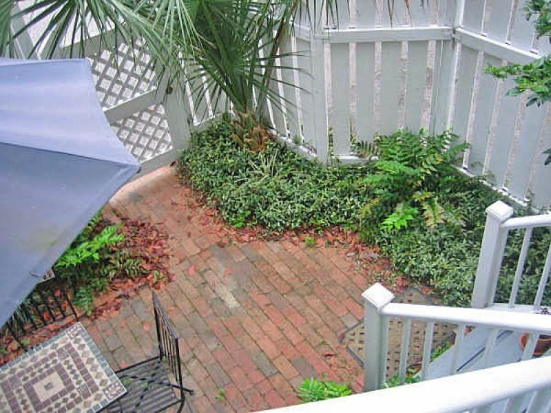 7 Aston Place Charleston, Sc 29401