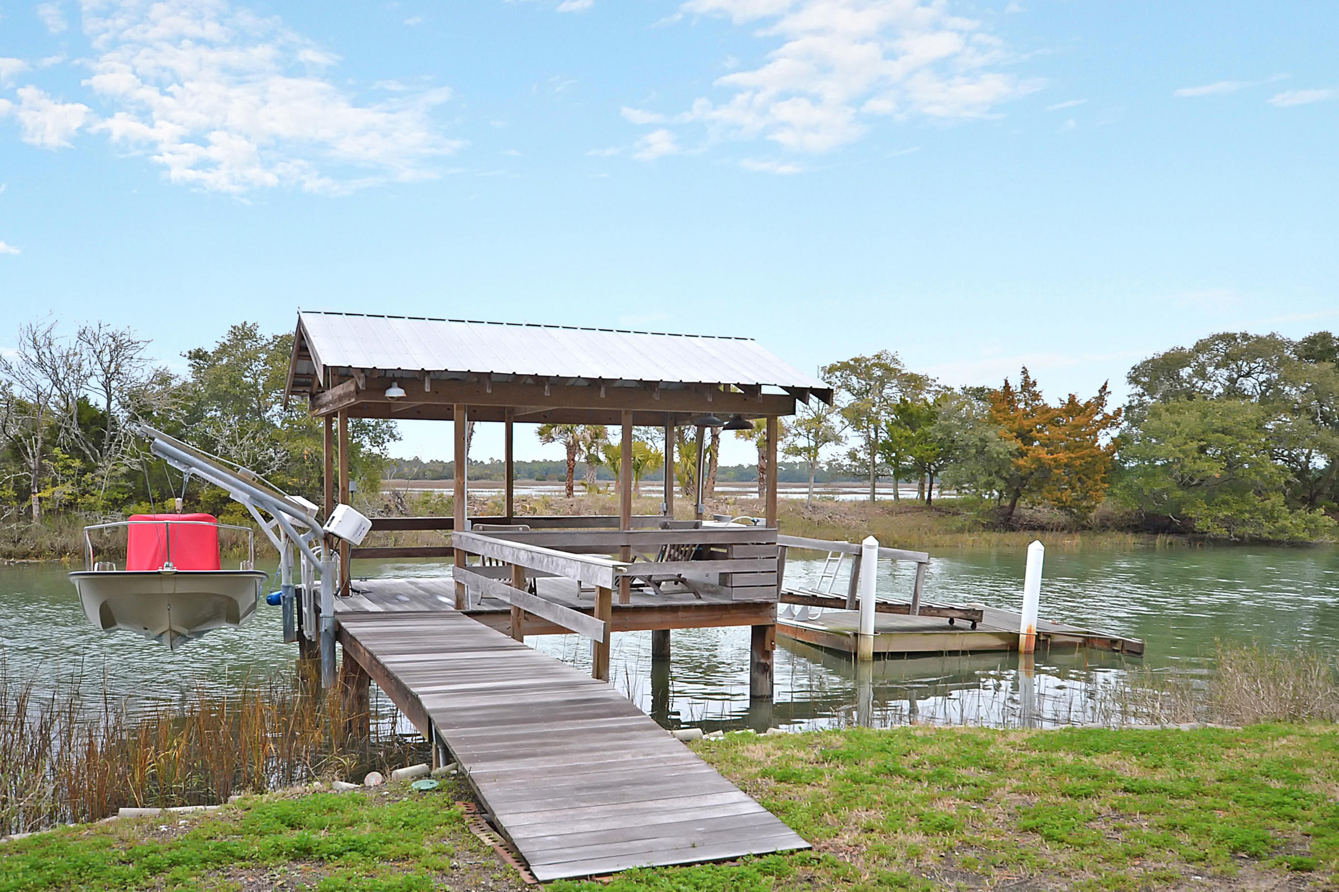 1560 Oak Island Drive Charleston, Sc 29412