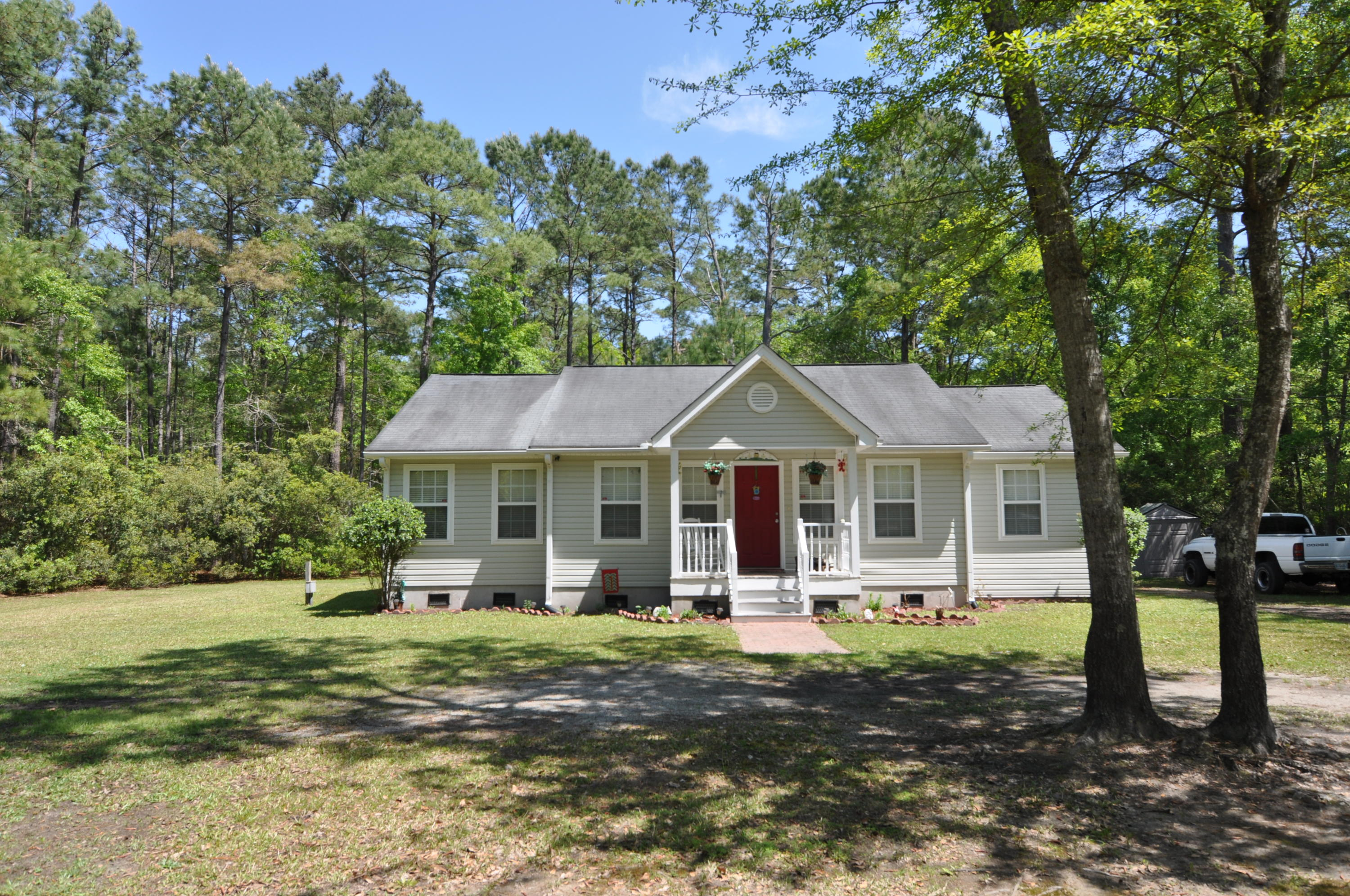 4256 Sebago Road Meggett, Sc 29449