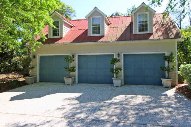 111 Live Oak Drive Mount Pleasant, SC 29464