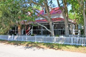 2402 Myrtle Avenue, Sullivans Island, SC 29482