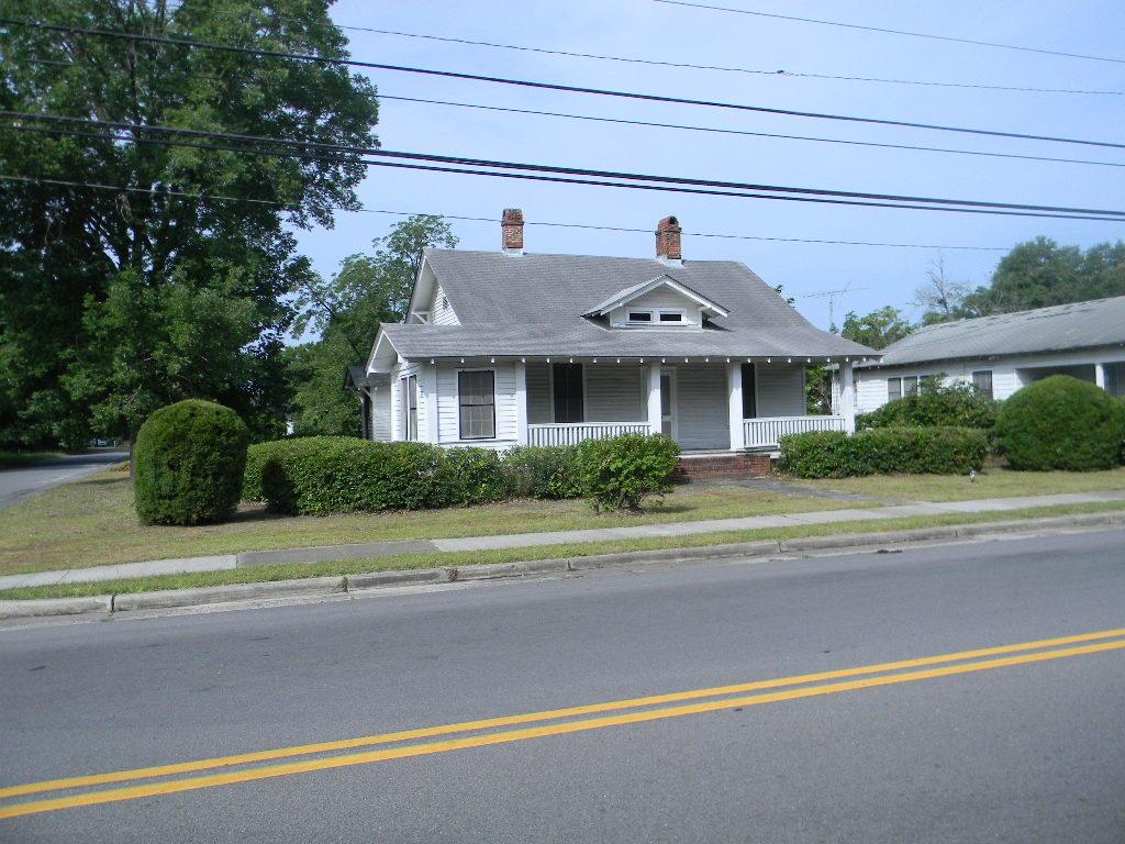 464 W Carolina Avenue Varnville, SC 29944