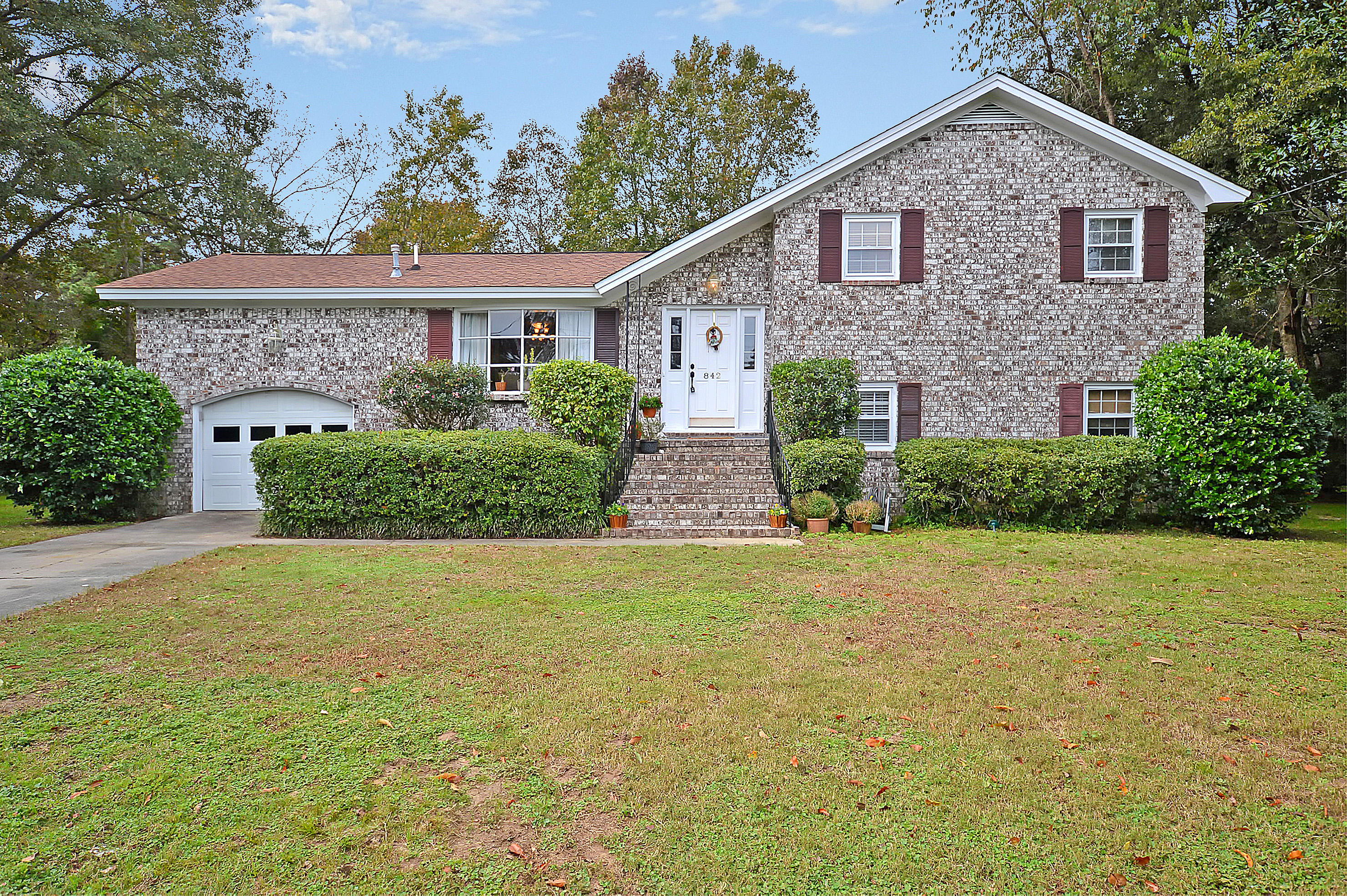 842 Waterloo Court Charleston, Sc 29412