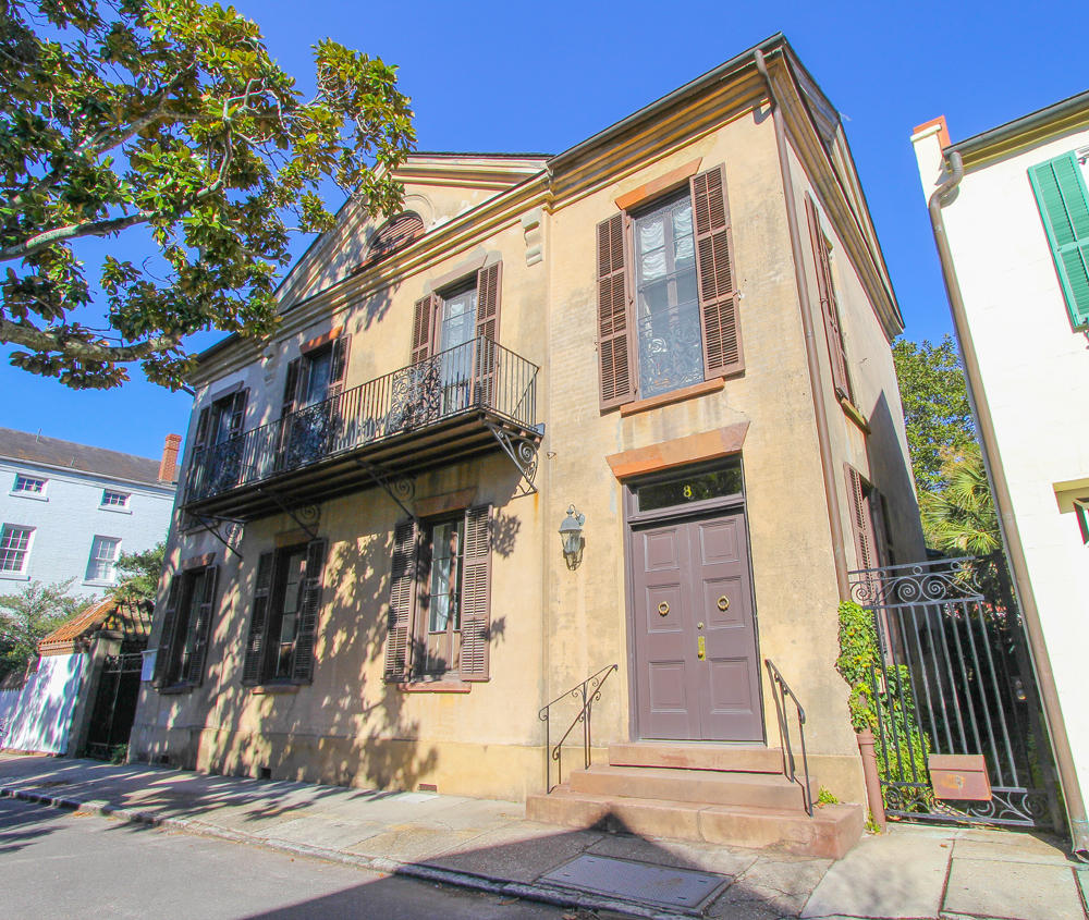 8 Saint Michaels Alley Charleston, SC 29401