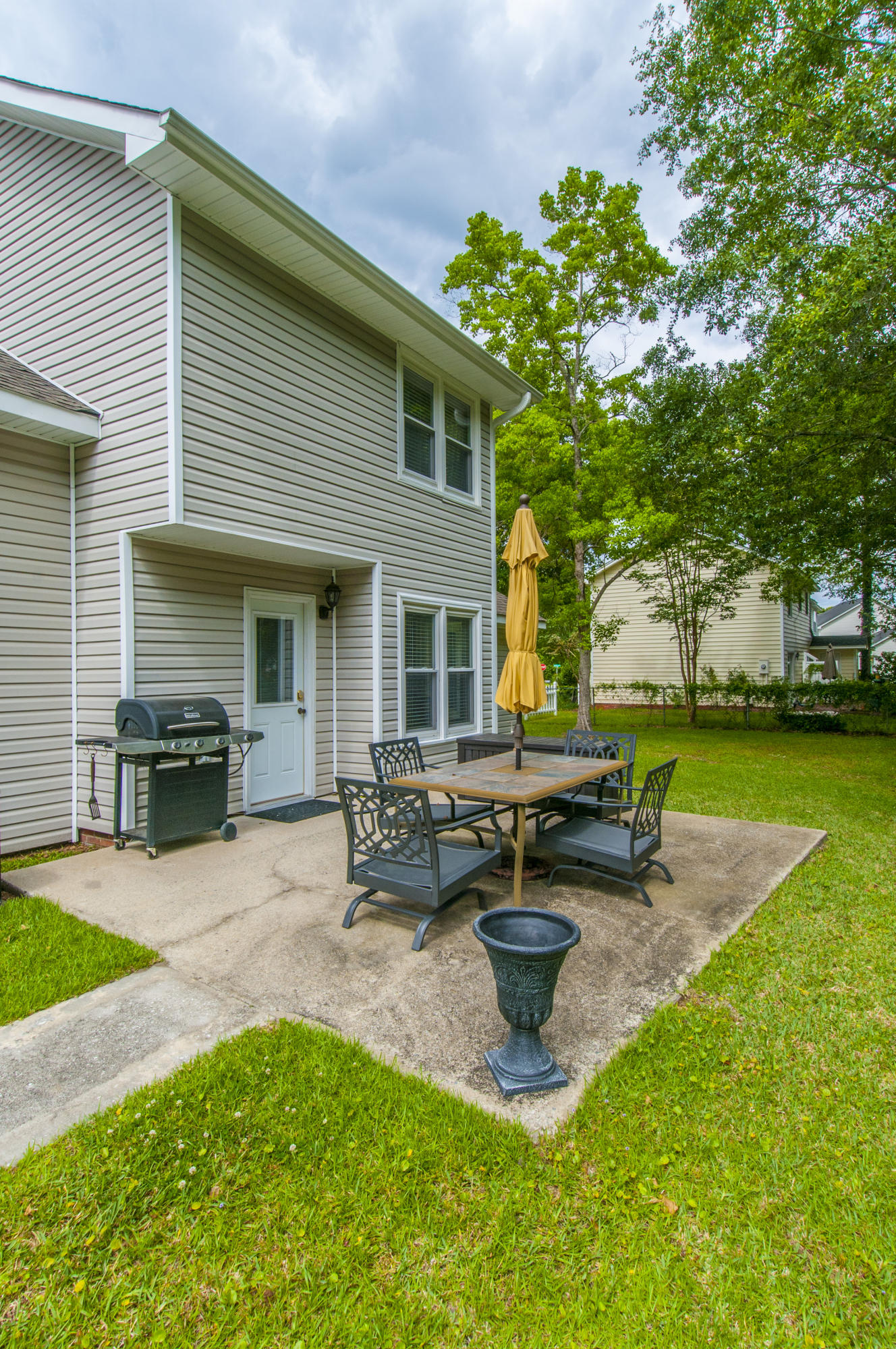 Shaftesbury Woods Homes For Sale - 2463 Wensley, Charleston, SC - 16