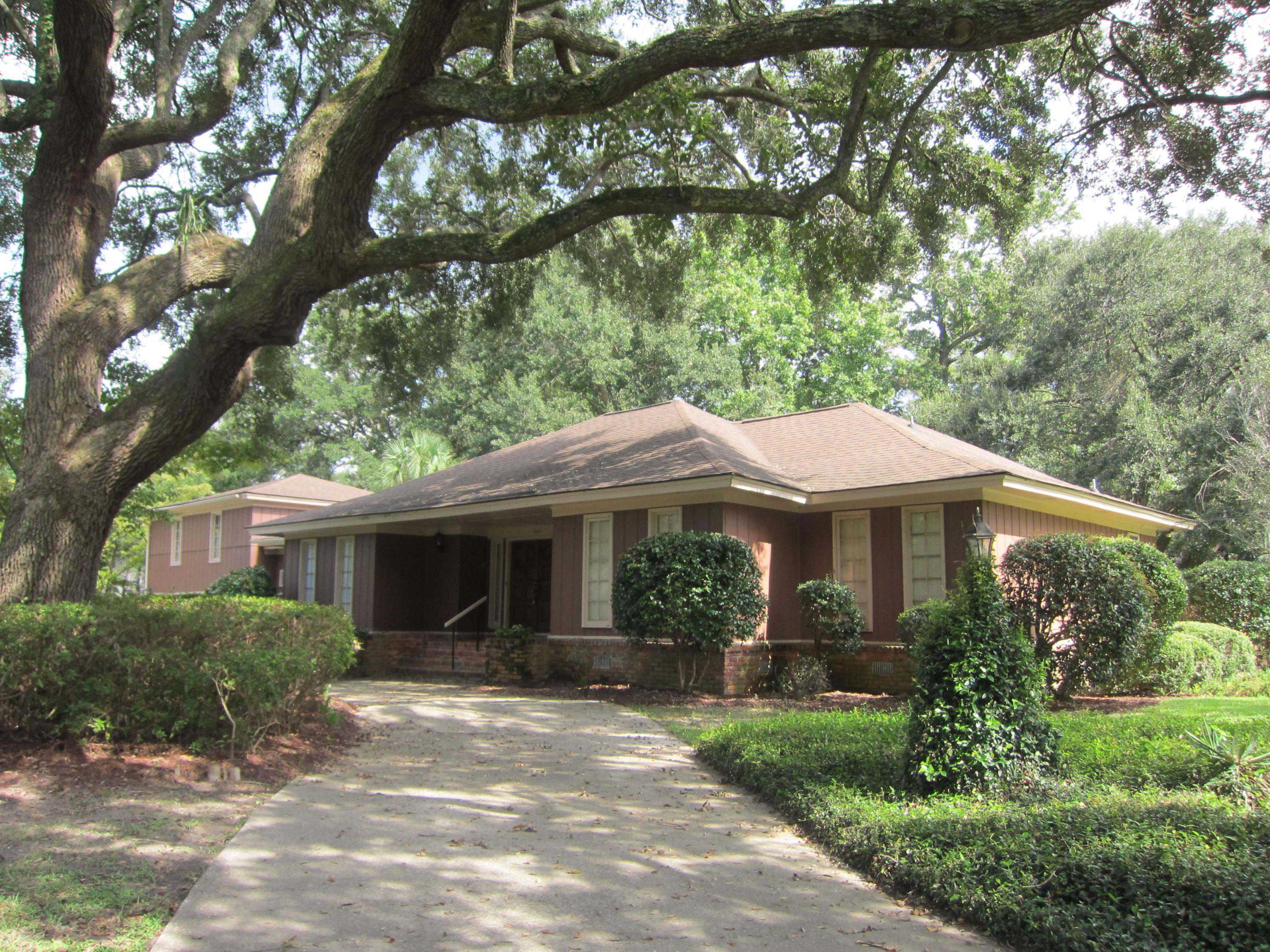 1842 Huntington Drive Charleston, Sc 29407