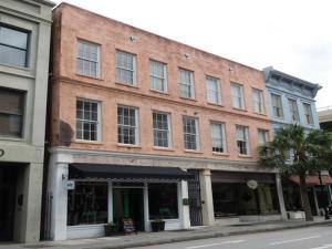 154 King Street, Charleston, SC 29401