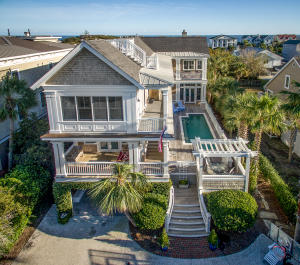 Beautiful classic Charleston design and construction!