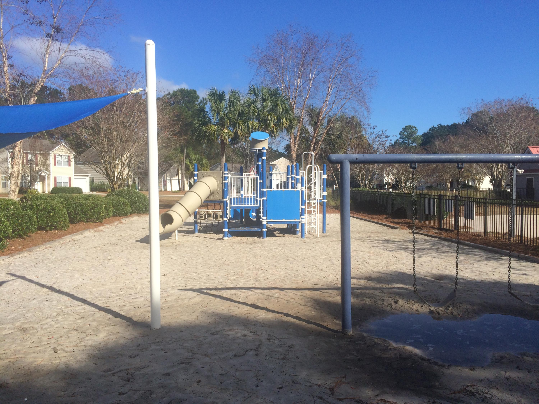 1316 Palm Cove Drive Charleston, SC 29492