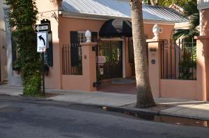 78 Queen Street, Charleston, SC 29401