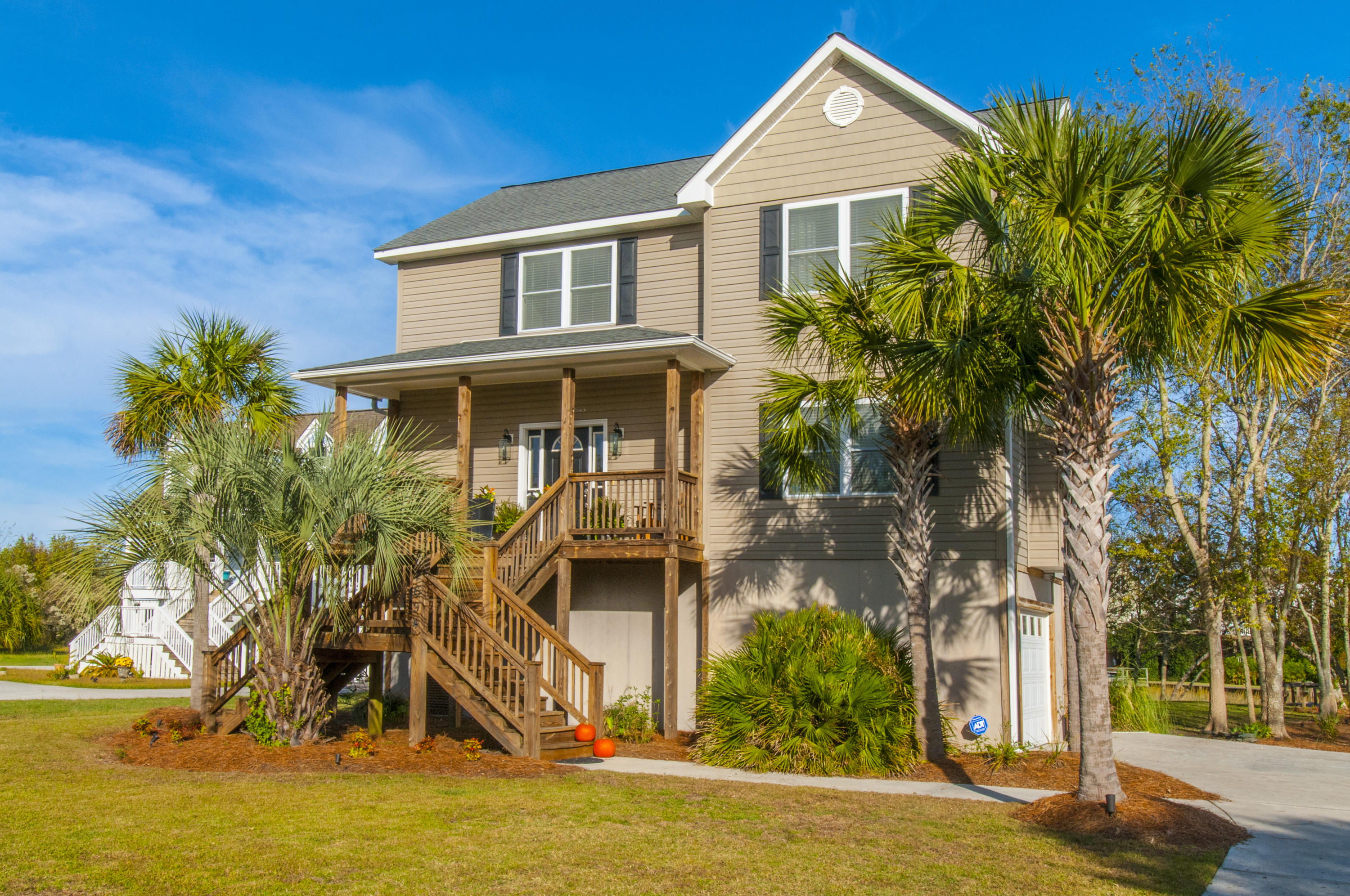 1694 Old Military Road Charleston, SC 29412
