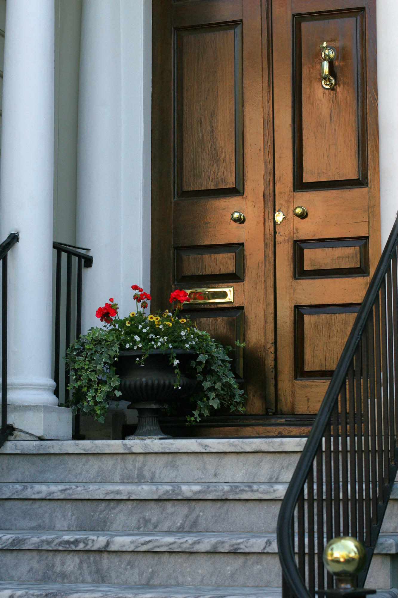 12 Meeting Street, Charleston, SC 29401 (MLS# 17005603) - Nienstedt ...