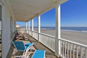 1653 Ashley Avenue, Folly Beach, SC 29439