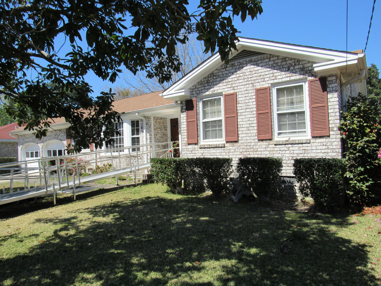 2448 Vistavia Road North Charleston, SC 29406