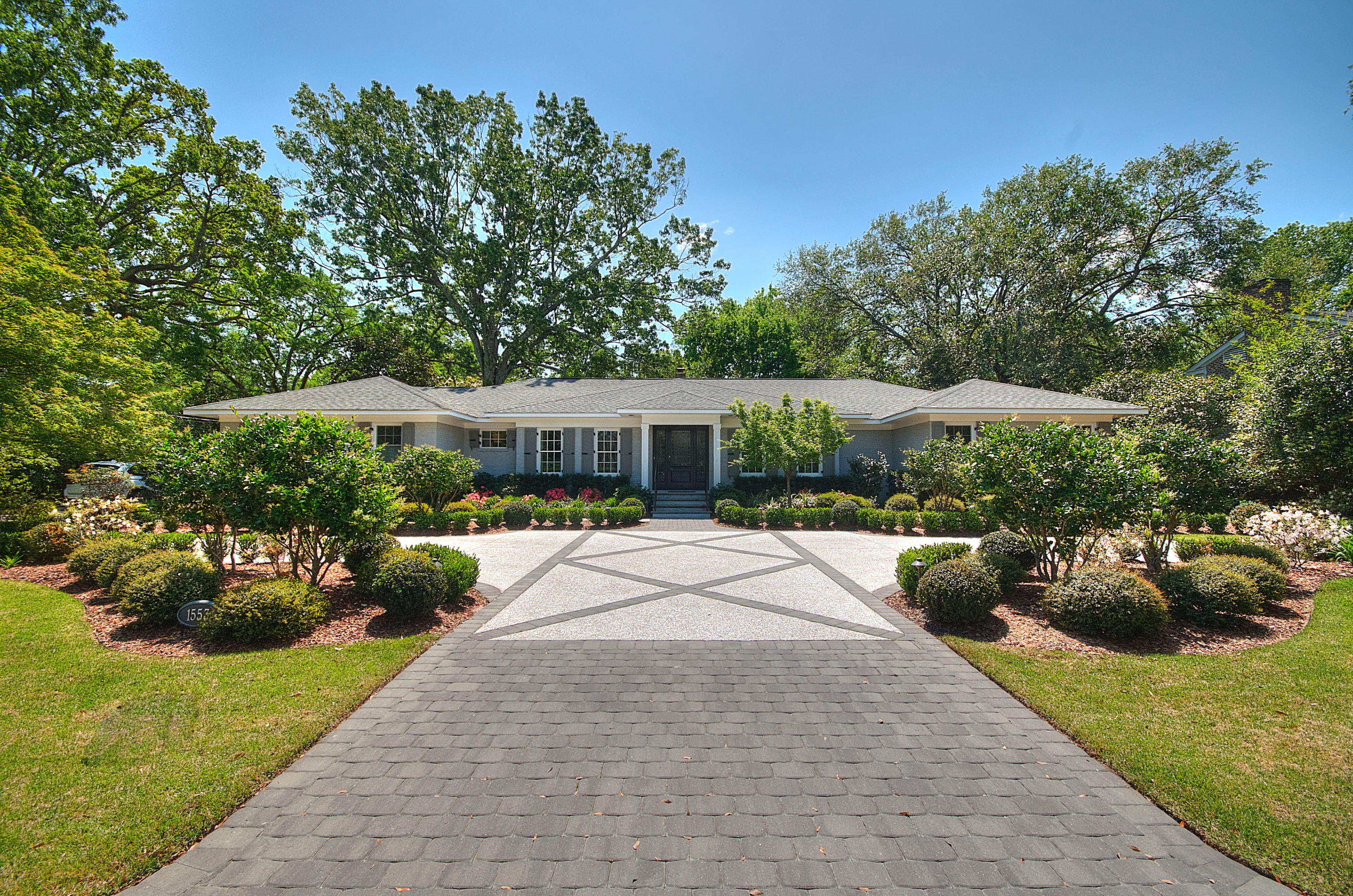 1553 Fairway Drive Charleston, SC 29412