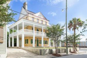 2 Amherst Street, Charleston, SC 29403