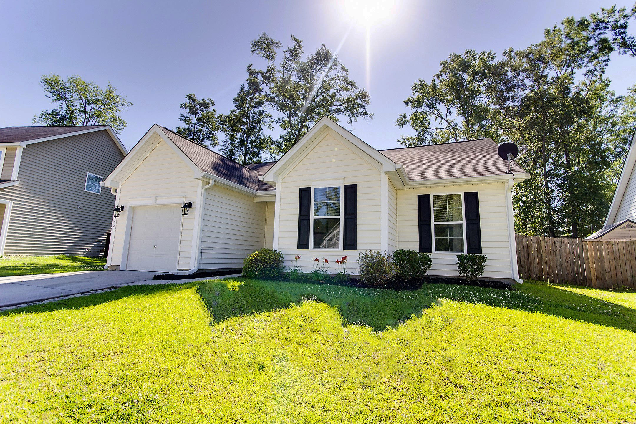 Remarkable Mls 17013863 3009 Nantuckett Avenue North Charleston Sc Colony North Subdivision Home Interior And Landscaping Transignezvosmurscom