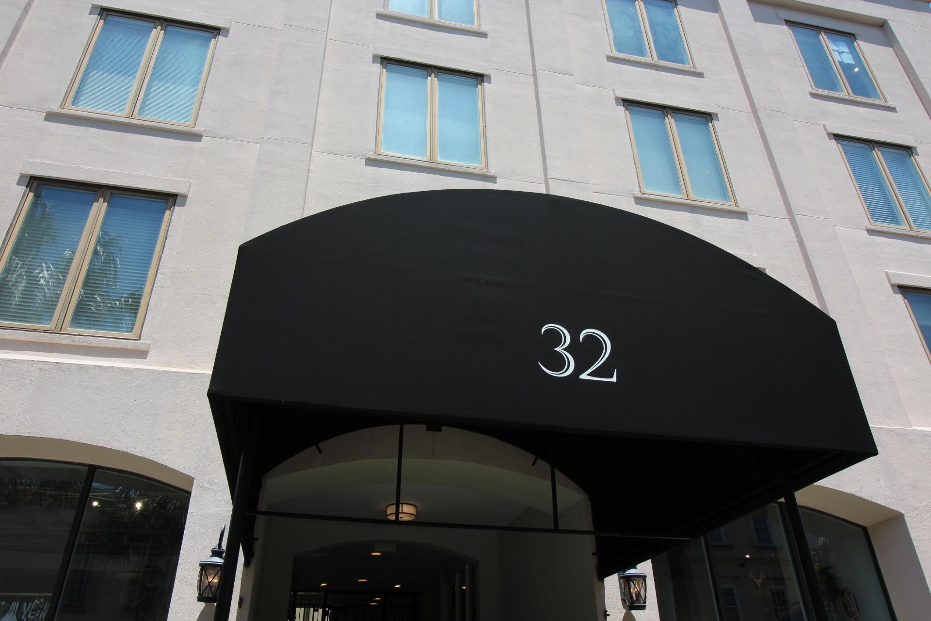 32 Vendue Range Charleston, SC 29401