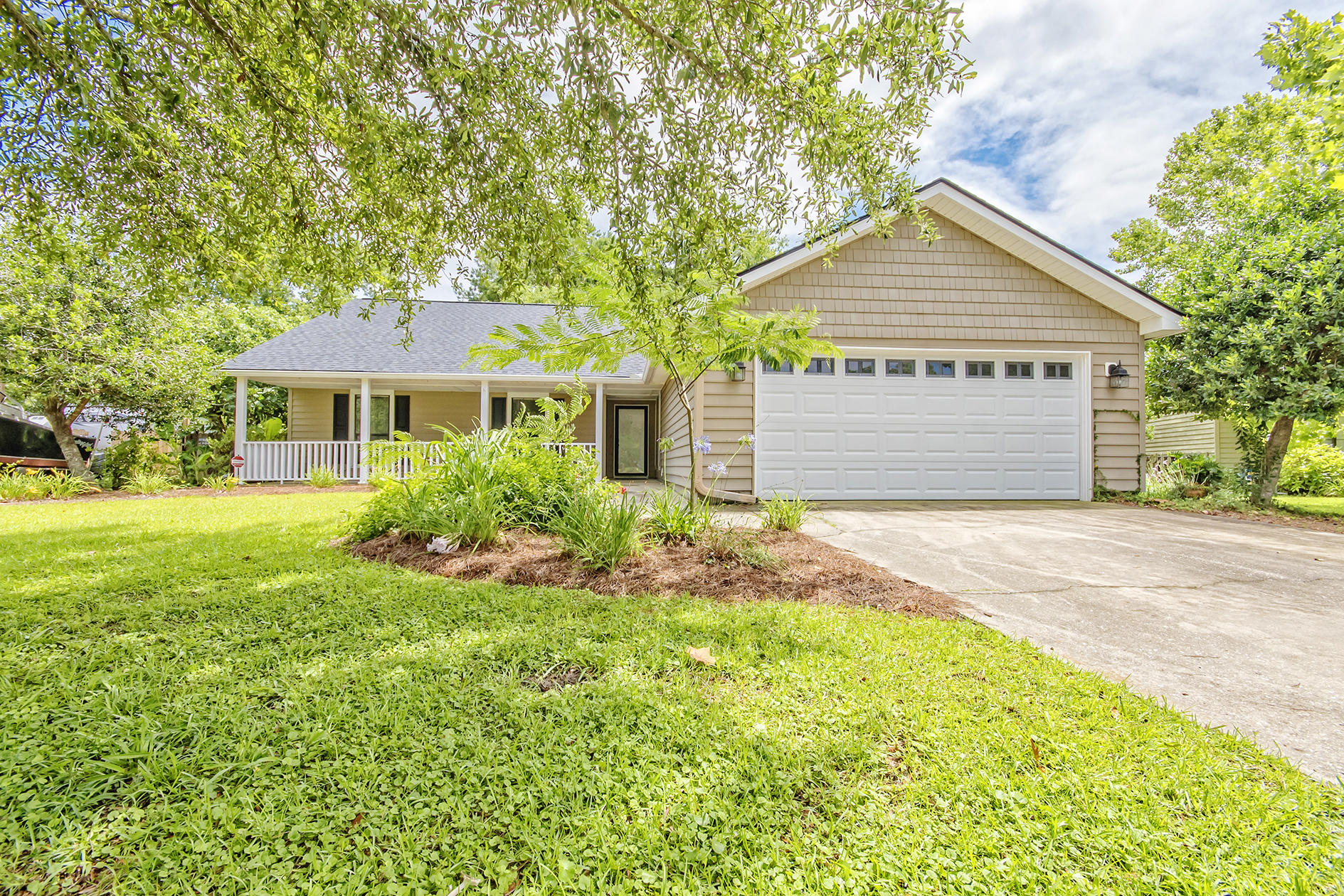 1450 Hidden Bridge Drive Mount Pleasant, SC 29464