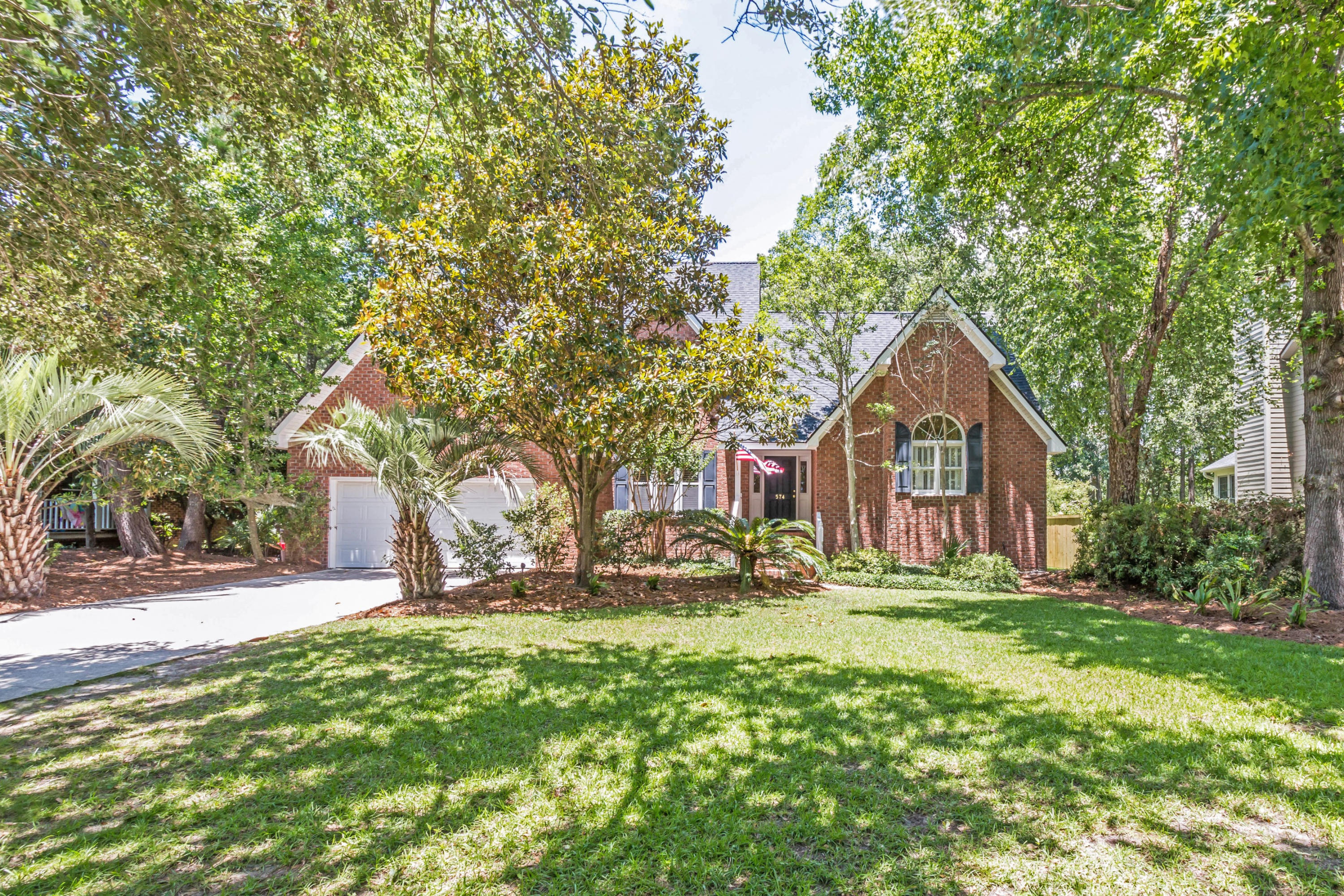 574 Hobcaw Bluff Drive Mount Pleasant, SC 29464