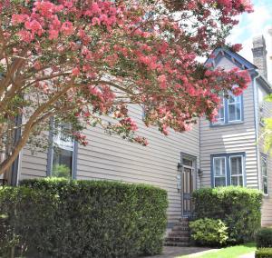108 Queen Street, Charleston, SC 29401