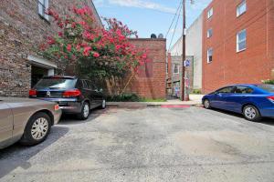 348 King, Charleston, SC 29401